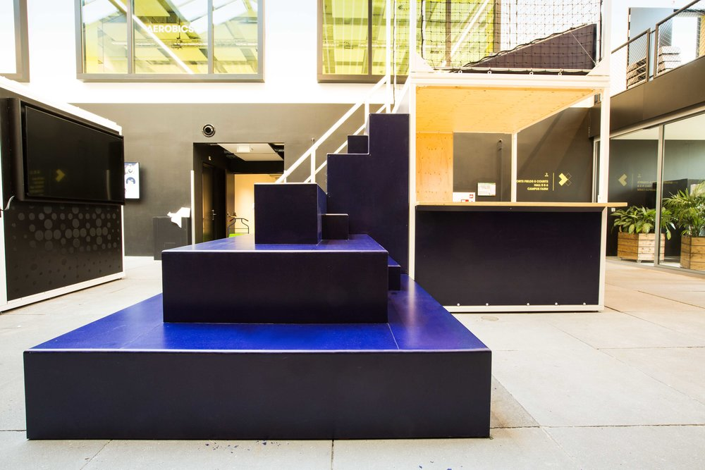 Stalen kubussen voor ontwerpbureau B-E-N-D-E.